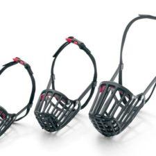 Karlie-Flamingo Náhubek plastový černý D: 40cm Š: 40-67cm